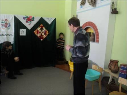 Сценарий массового мероприятия для детей дошкольной группы и учащихся 1-4 классов.  Домовенок Кузя умывается.